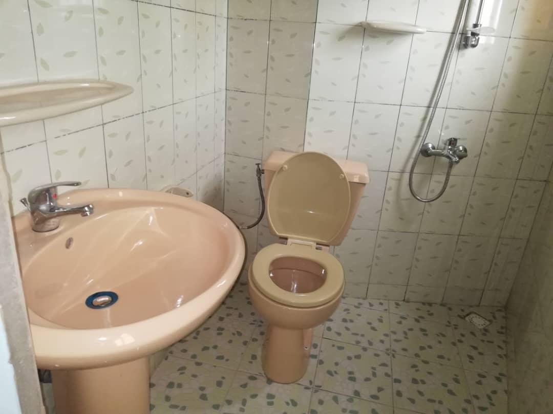 N° 4683 :                             Villa meublée à louer , Adidogome wognome, Lome, Togo : 300 000 XOF/mois