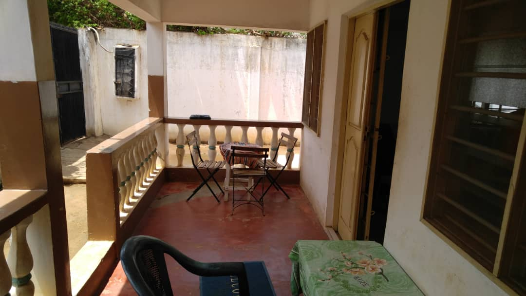 Villa à vendre , avenou                         (Non loin du goudron)                     , Lome : 23 000  000 FCFA