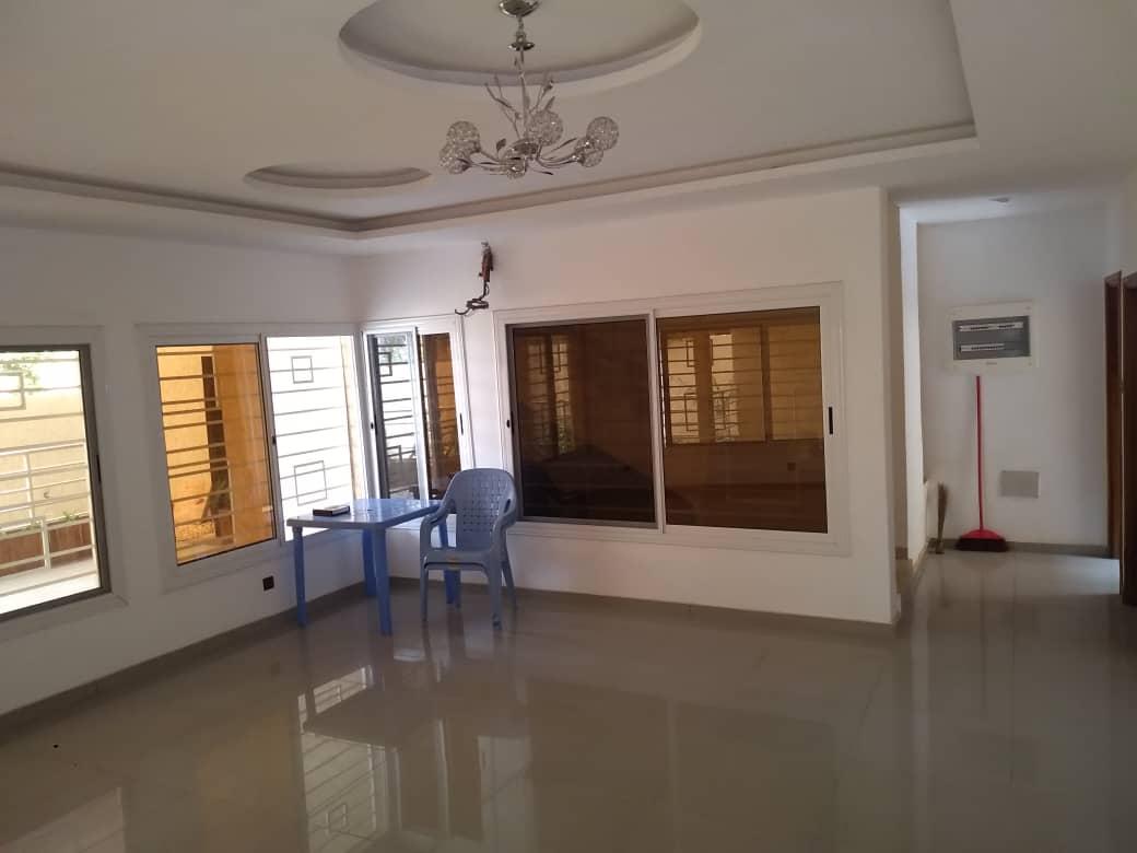 N° 4695 :                             Villa à louer , Agoe demakpoe , Lome, Togo : 500 000 XOF/mois