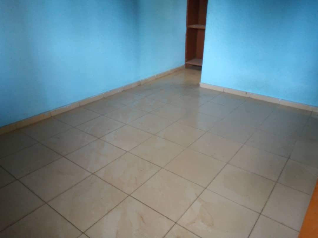 Appartement à louer , agoe sogbossito                         (Non loin de la Maison d'Abass bonfoh)                     , Lome : 55 000 FCFA/mois