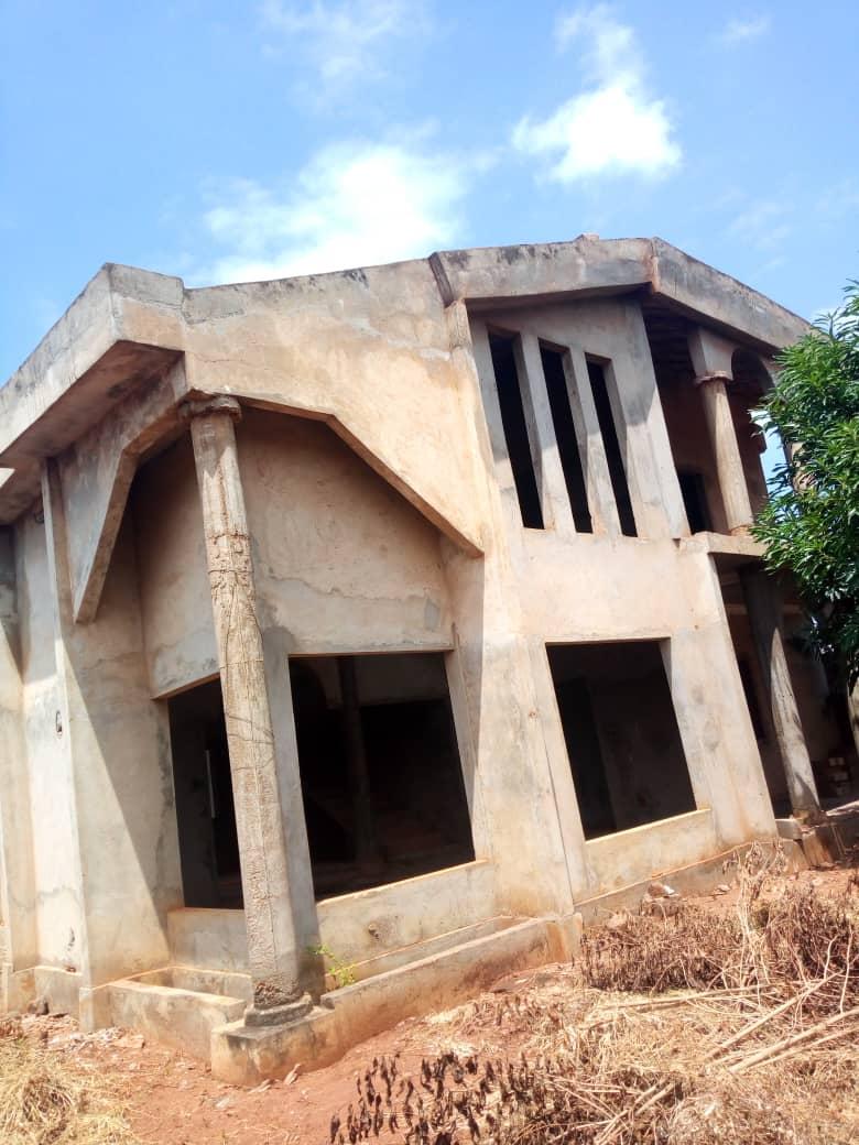 N° 4698 :                             Villa à vendre , Attiegou, Lome, Togo : 75 000  000 XOF/vie