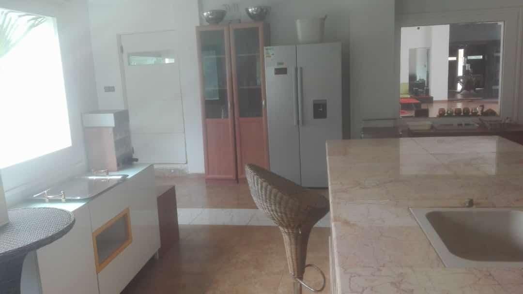 N° 4700 :                             Villa à louer , Agoe legbassito, Lome, Togo : 700 000 XOF/mois