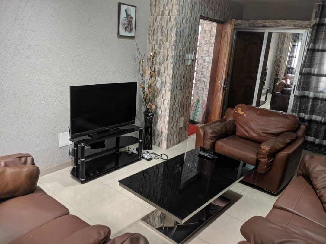 Appartement meublé à louer , adidogome                         (Lapampar Non loin du Goudron)                     , Lome : 250 000 FCFA/mois