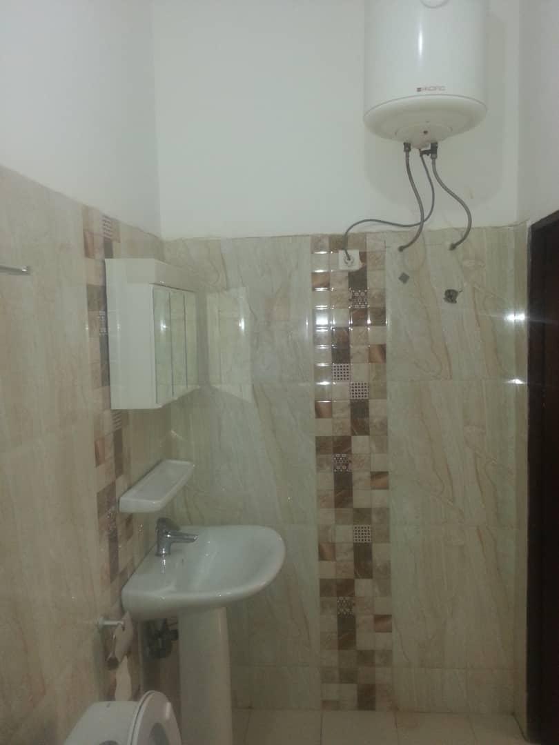 Villa à louer , avedji                         (Non loin du Carrefour SUN CITY)                     , Lome : 200 000 FCFA/mois