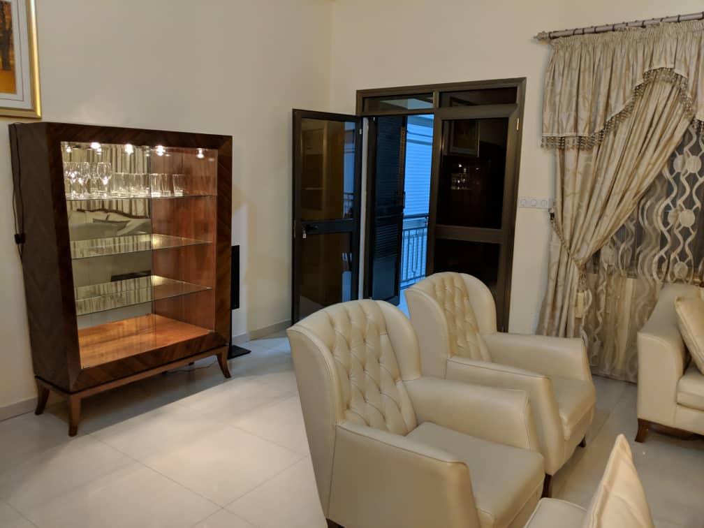 Appartement meublé à louer , adidogome avenou                         (Non loin de la station d'Essence Total)                     , Lome : 600 000 FCFA/mois