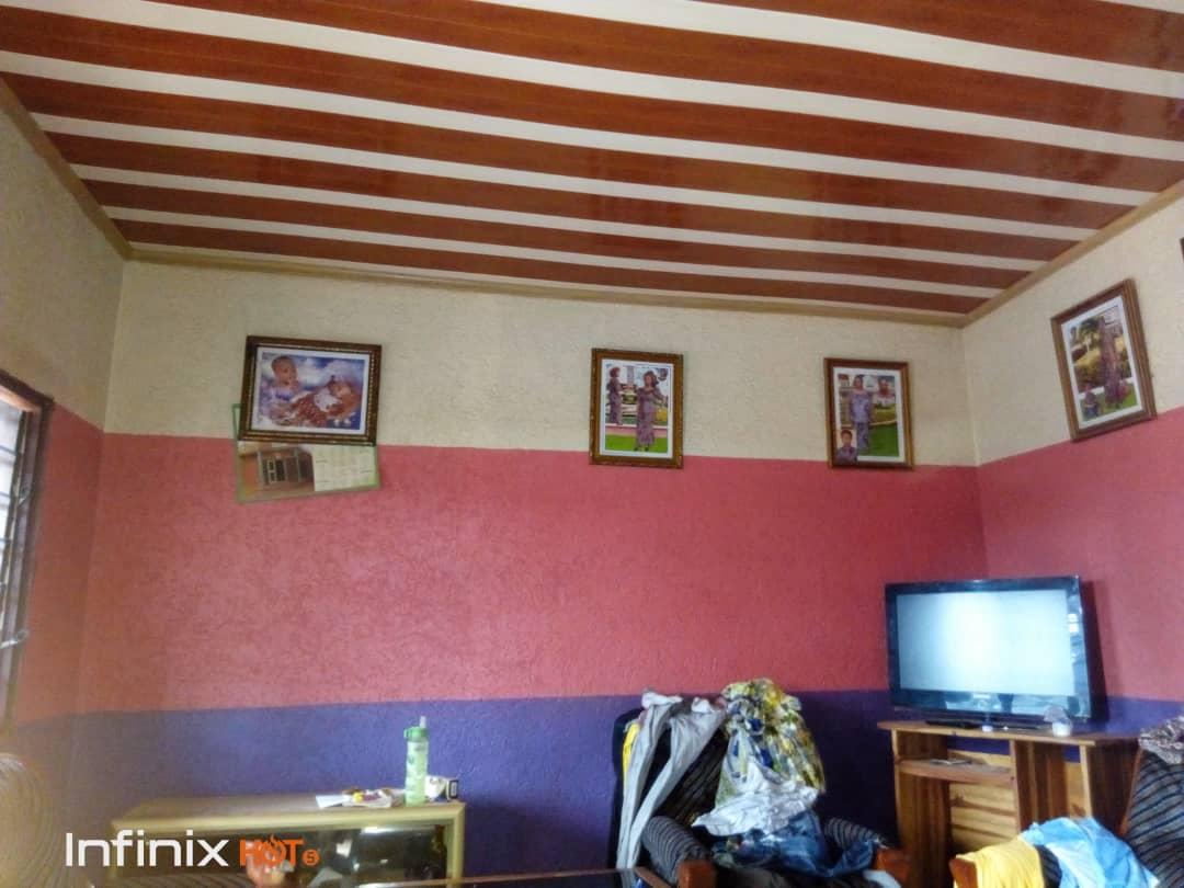 Maison à vendre , agoe                         (Au bord du goudron du contournement a Legbassito)                     , Lome : 18 000  000 FCFA