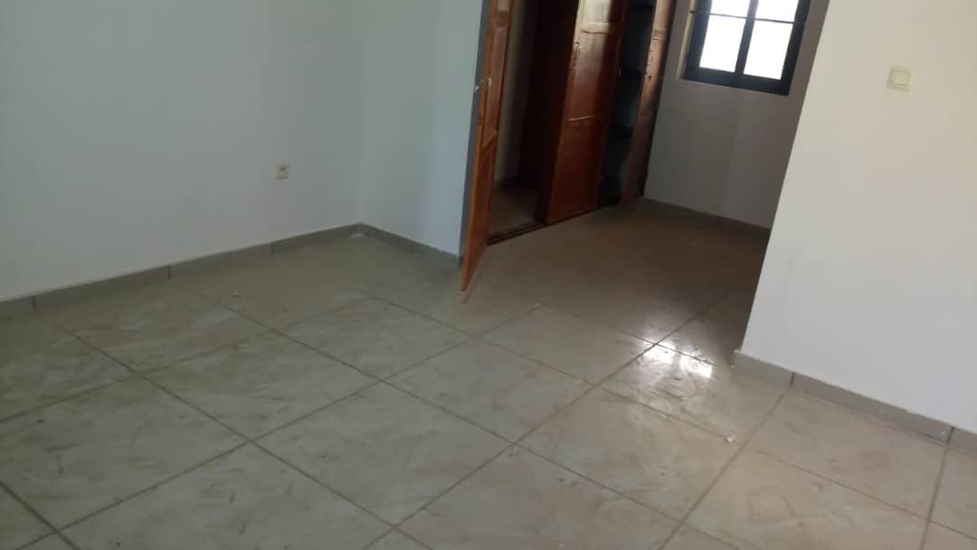 Villa à louer , apedokoe                         (Non loin de Molo Molo)                     , Lome : 250 000 FCFA/mois