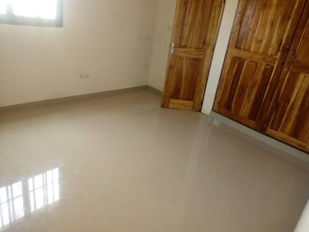 Appartement à louer , agbalepedo                         (Au Bord du pavé)                     , Lome : 120 000 FCFA/mois