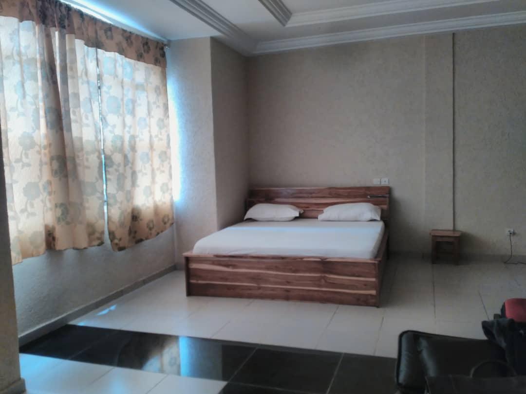 Studio meublé à louer , djidjole                         (A Proximité du Pavé)                     , Lome : 150 000 FCFA/mois