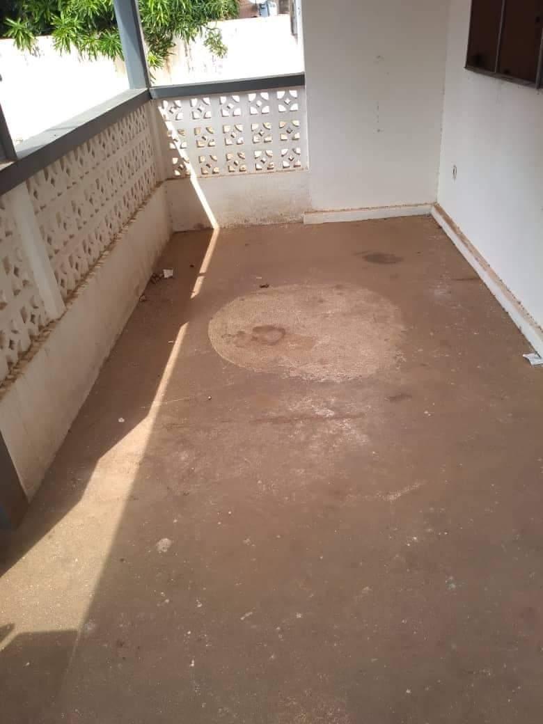 Maison à vendre , agoe                         (BAFANA BAFANA  non loin de l'école brillant)                     , Lome : 30 000  000 FCFA