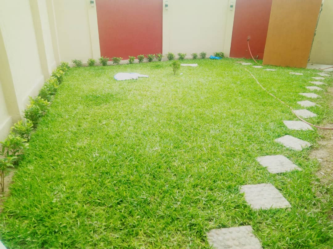 N° 4815 :                             Villa meublée à louer , Adidogome, Lome, Togo : 350 000 XOF/mois