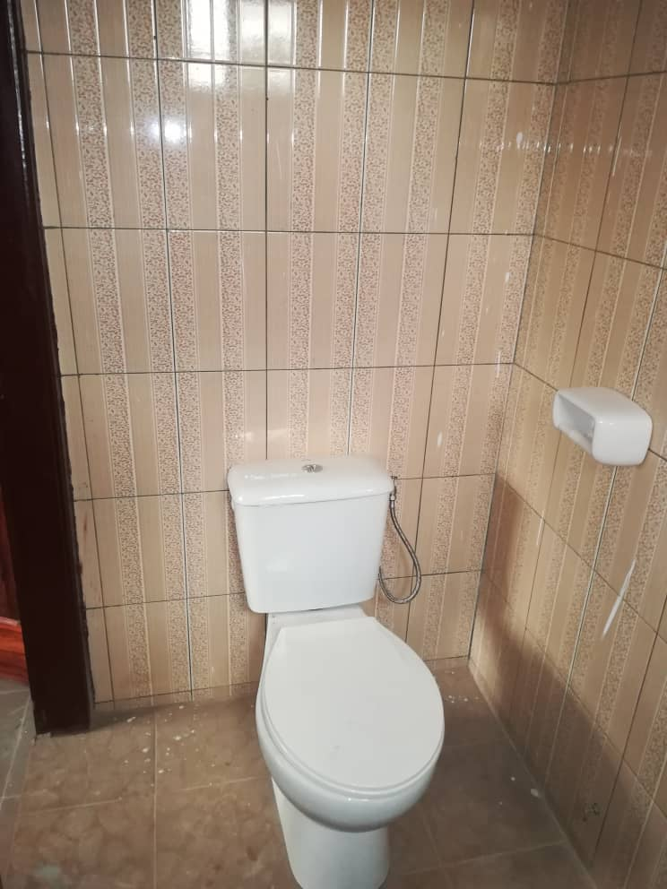 Appartement à louer , adidogome                         (Gbomamé non loin du molo molo)                     , Lome : 40 000 FCFA/mois