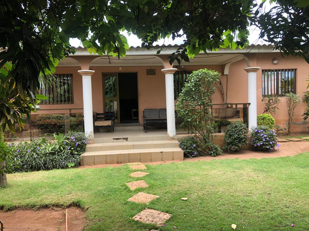 Maison à vendre , chr tsevie                         (Sur la route de tagbligbo)                     , Tsevie : 15 000  000 FCFA