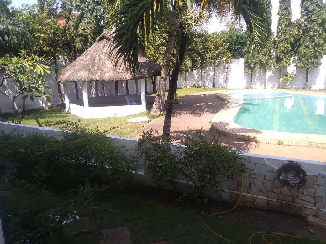 Villa à louer , ablogame                         (Non loin de L'hôtel SARAKAWA)                     , Lome : 1 500  000 FCFA/mois
