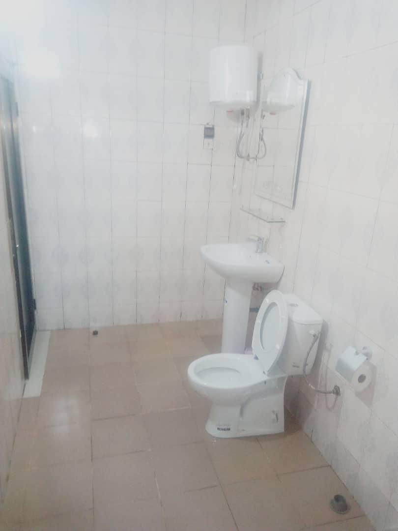 Appartement meublé à louer , cassablanca                         (Non loin du Goudron)                     , Lome : 230 000 FCFA/mois