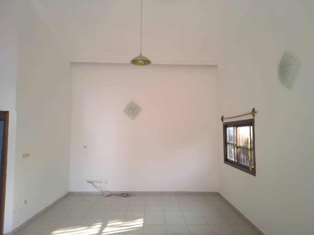 Appartement à louer , agoe                         (Non loin de l'école internationale Mariam)                     , Lome : 90 000 FCFA/mois