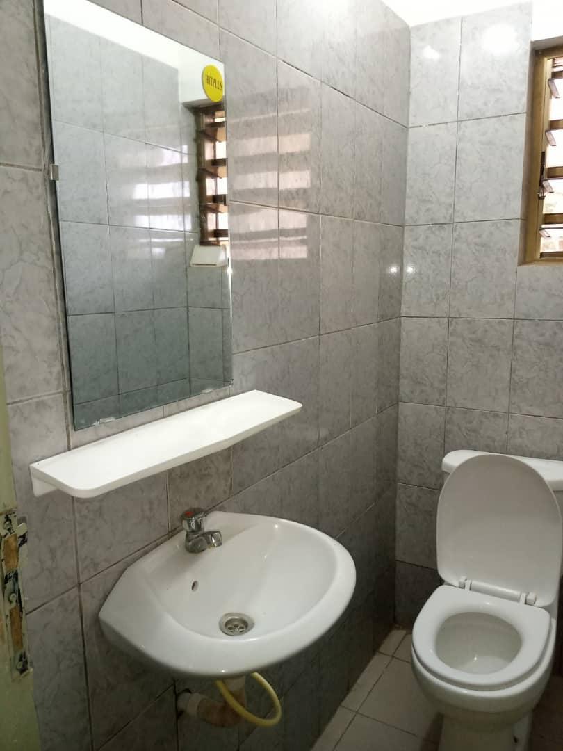 Appartement à louer , agoe                         (Agoè 2lions à côté d'ESA)                     , Lome : 70 000 FCFA/mois