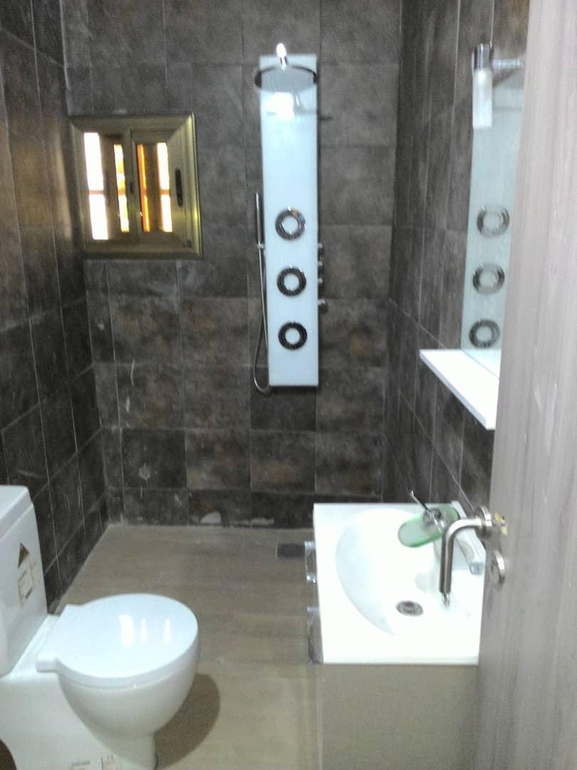 N° 4883 :                             Villa meublée à louer ,  agbalepedogan, Lome, Togo : 400 000 XOF/mois