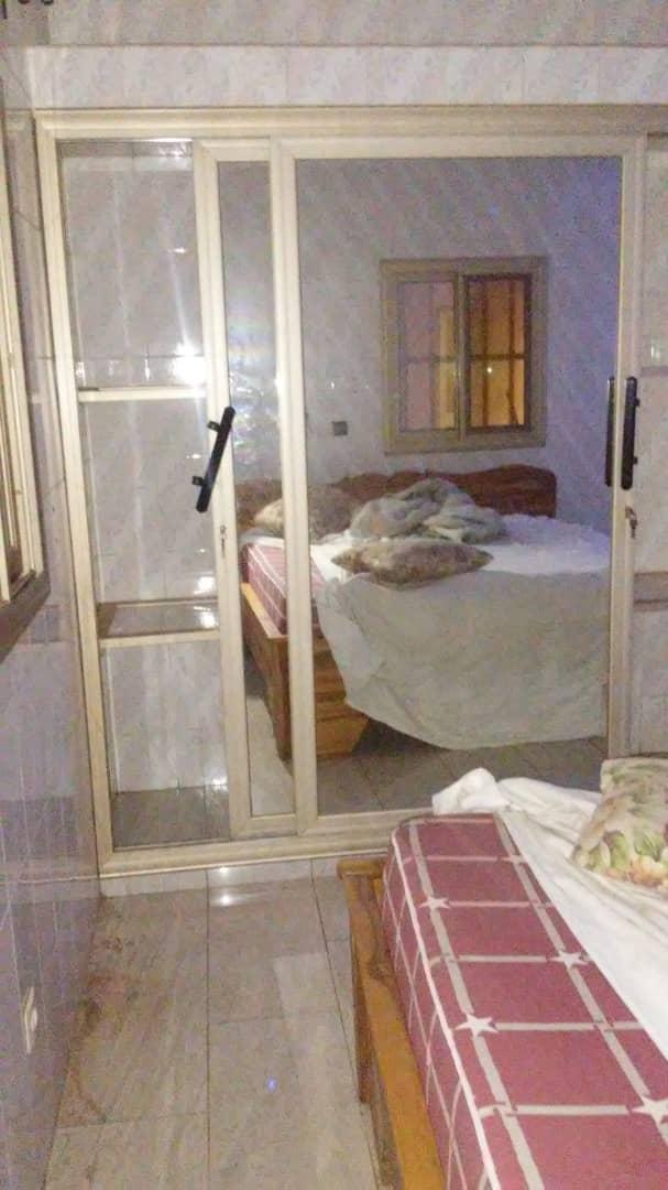 N° 4890 :                             Appartement meublé à louer , Agoe, Lome, Togo : 150 000 XOF/mois