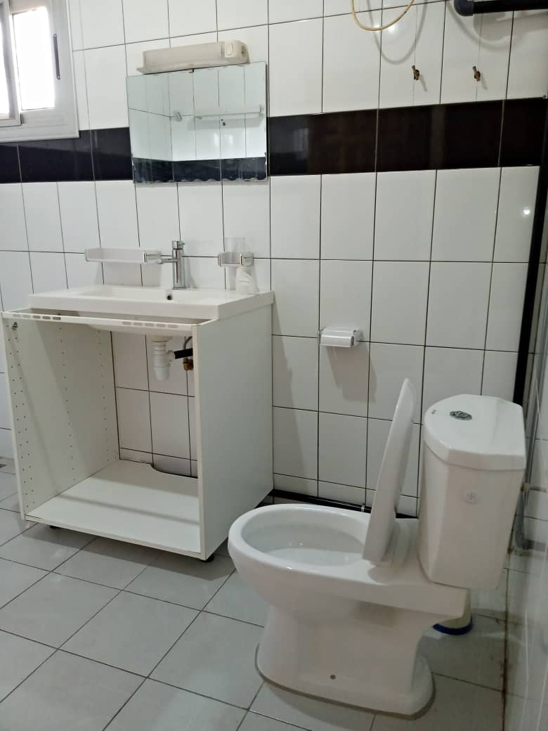 N° 4909 :                             Appartement meublé à louer , Wognome, Lome, Togo : 300 000 XOF/mois