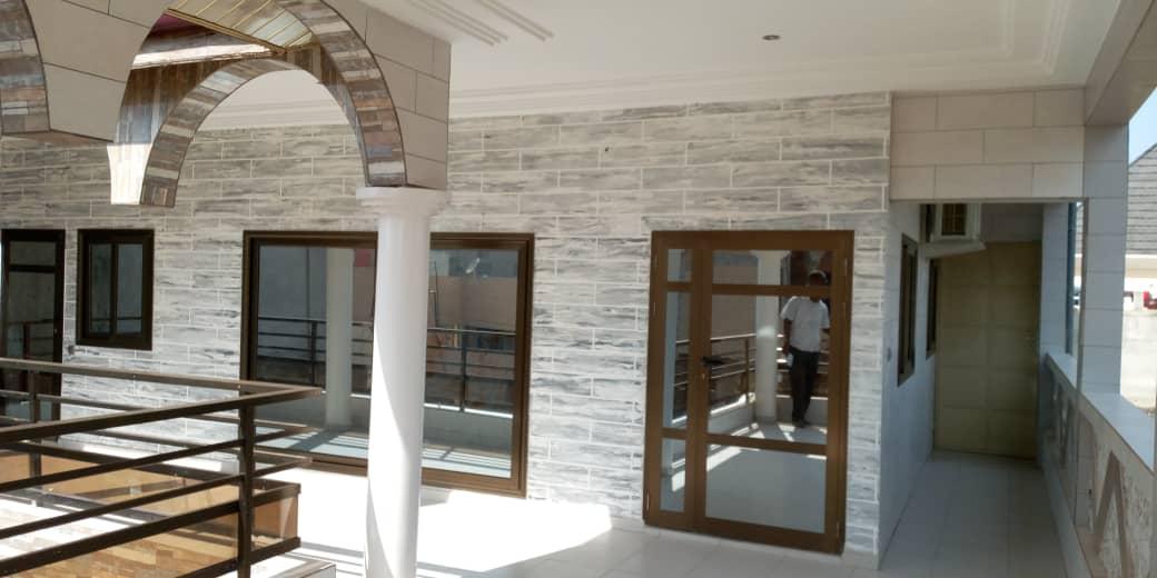 N° 4915 :                             Appartement meublé à louer , Kegue , Lome, Togo : 400 000 XOF/mois