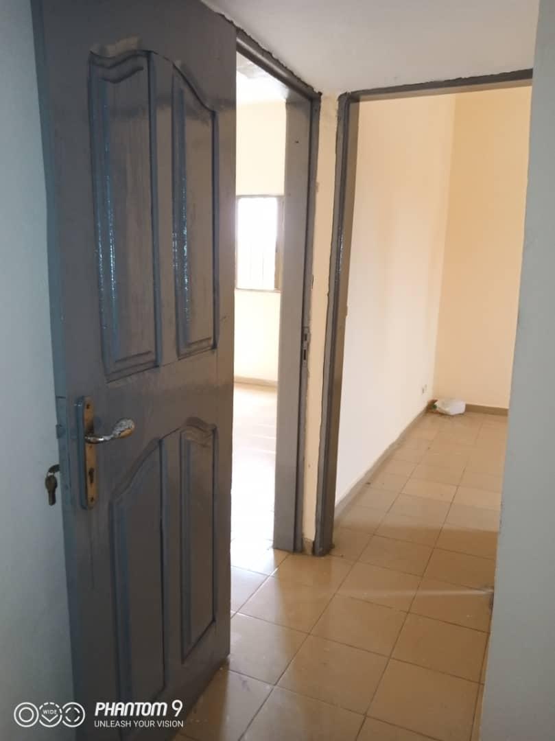 N° 4908 :                             Chambre salon à louer , Agoe, Lome, Togo : 50 000 XOF/mois