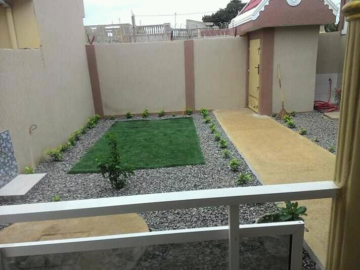N° 4923 :                             Villa meublée à louer ,  entreprise de l'union , Lome, Togo : 400 000 XOF/mois