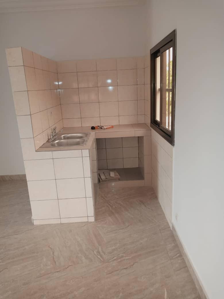 Chambre salon à louer , agoe vakpossito                         (FISH)                     , Lome : 40 000 FCFA/mois