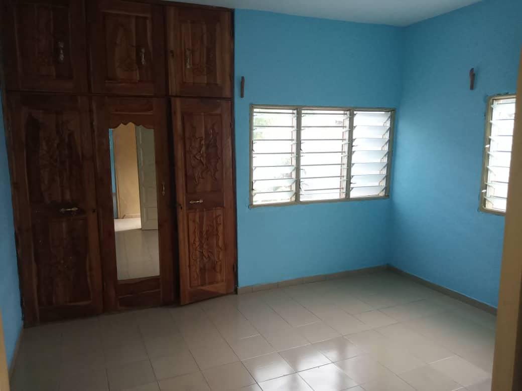 N° 4931 :                             Villa à louer , Agoe logope , Lome, Togo : 200 000 XOF/mois