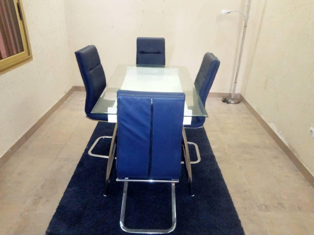 N° 4958 :                             Villa meublée à louer , Baguida, Lome, Togo : 300 000 XOF/mois