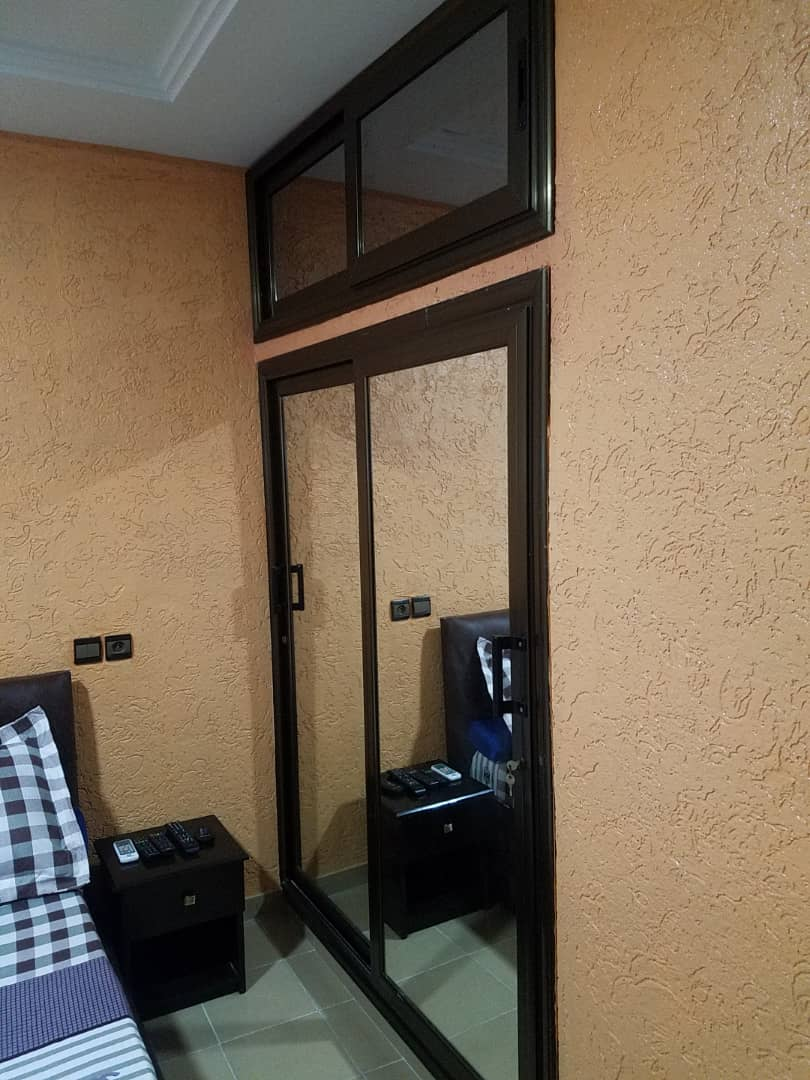 N° 4956 :                             Appartement meublé à louer , Kpogan , Lome, Togo : 300 000 XOF/mois