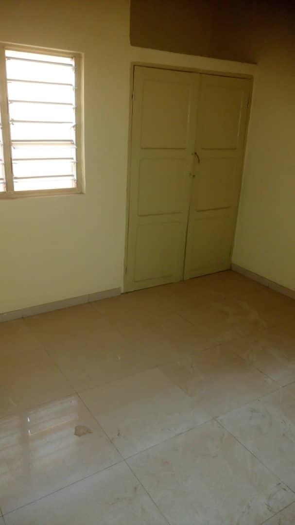 N° 4966 :                             Villa à louer , Kegue, Lome, Togo : 200 000 XOF/mois
