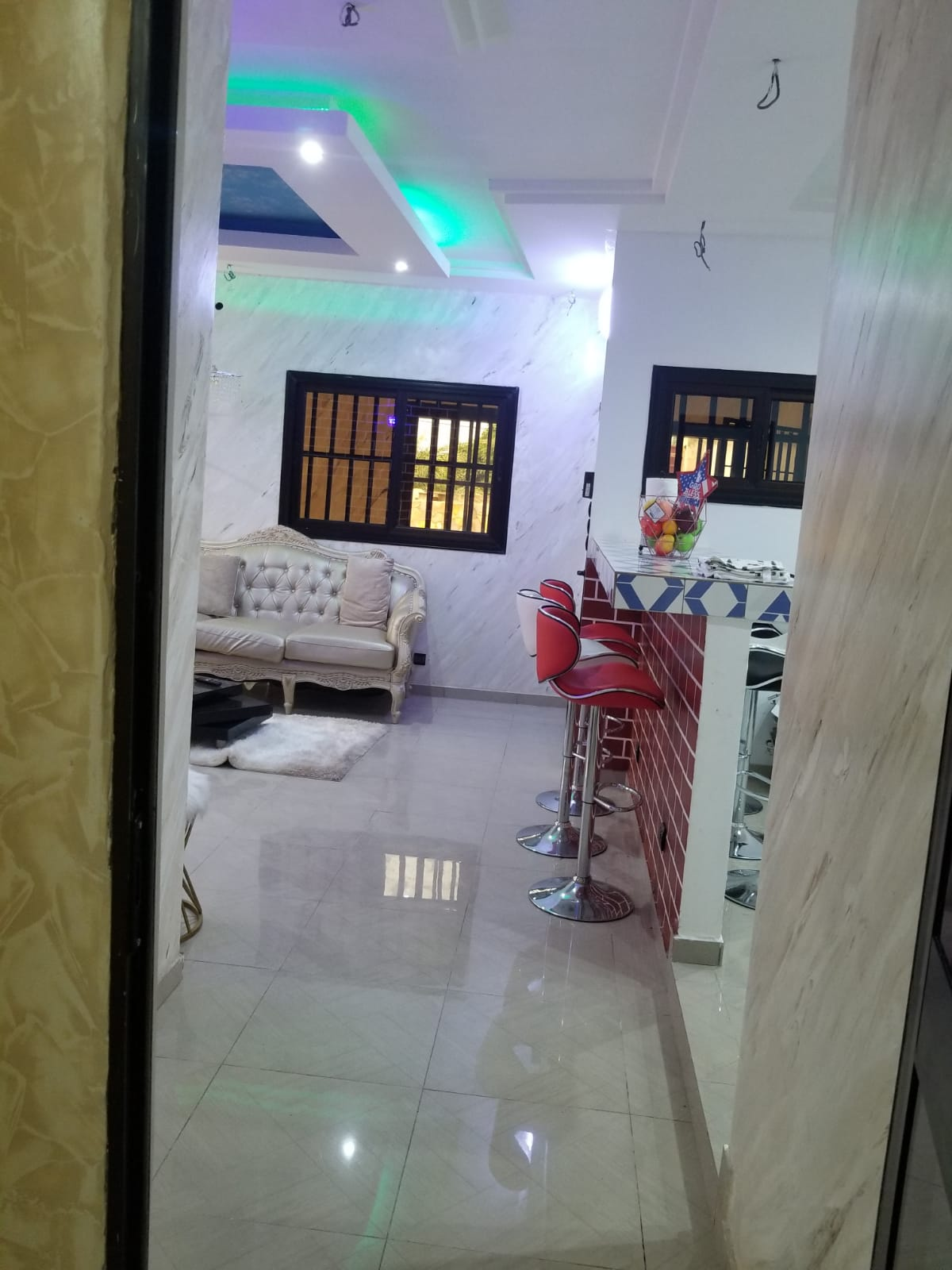 N° 4976 :                             Appartement meublé à louer , Agoe, Lome, Togo : 350 000 XOF/mois