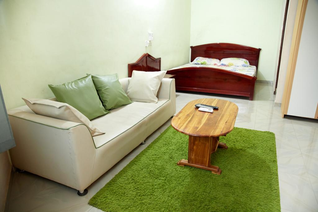 N° 4979 :                             Studio meublé à louer , Adidogome, Lome, Togo : 150 000 XOF/mois