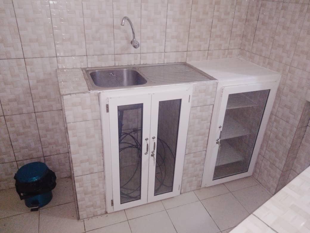 N° 4978 :                             Studio meublé à louer , Djidjole, Lome, Togo : 200 000 XOF/mois