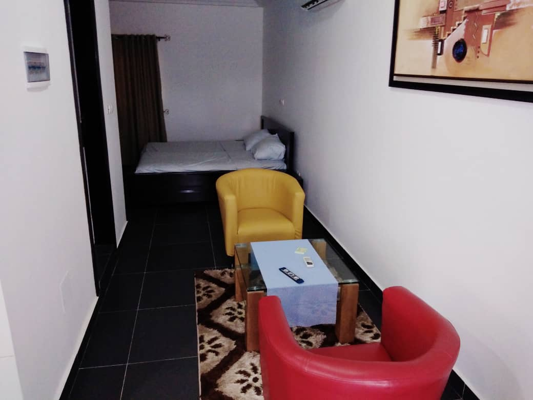 N° 4984 :                             Studio meublé à louer , Adidogome, Lome, Togo : 180 000 XOF/mois