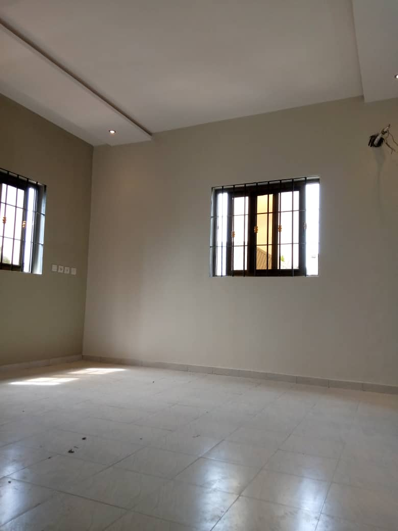 N° 4998 :                             Appartement à louer , Agoe, Lome, Togo : 120 000 XOF/mois