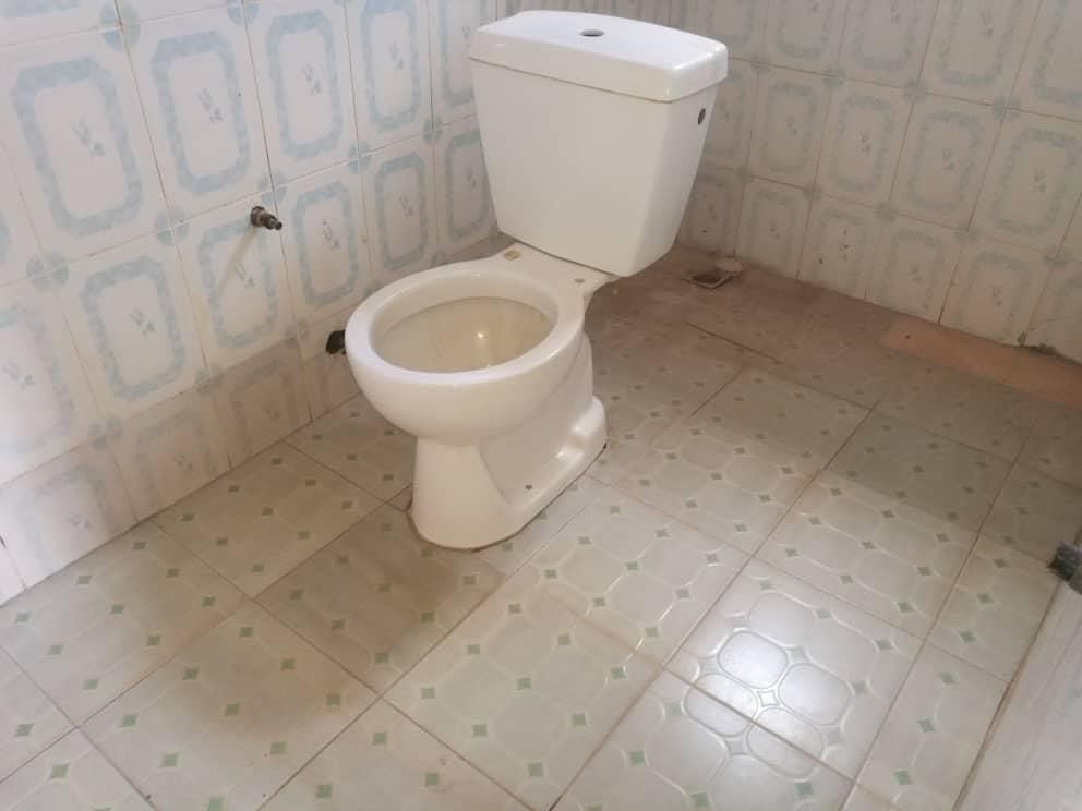 N° 5022 :                             Appartement à louer , Agoe, Lome, Togo : 100 000 XOF/mois