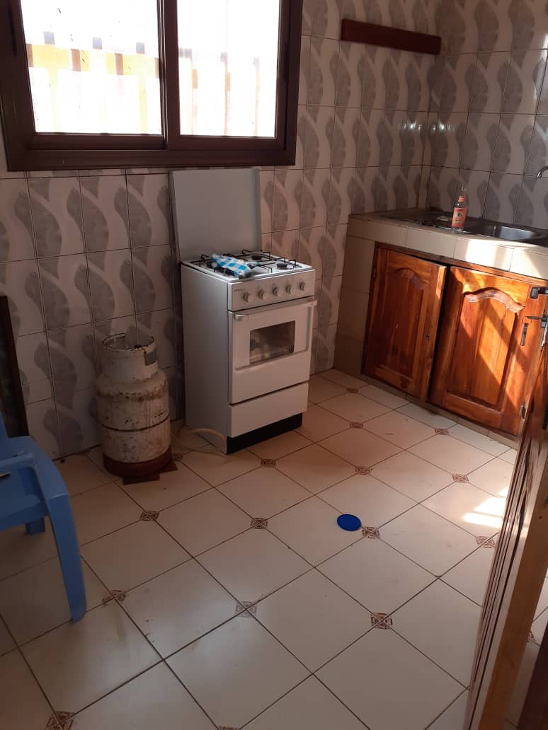 N° 5032 :                             Chambre salon à louer , Djidjole, Lome, Togo : 60 000 XOF/mois