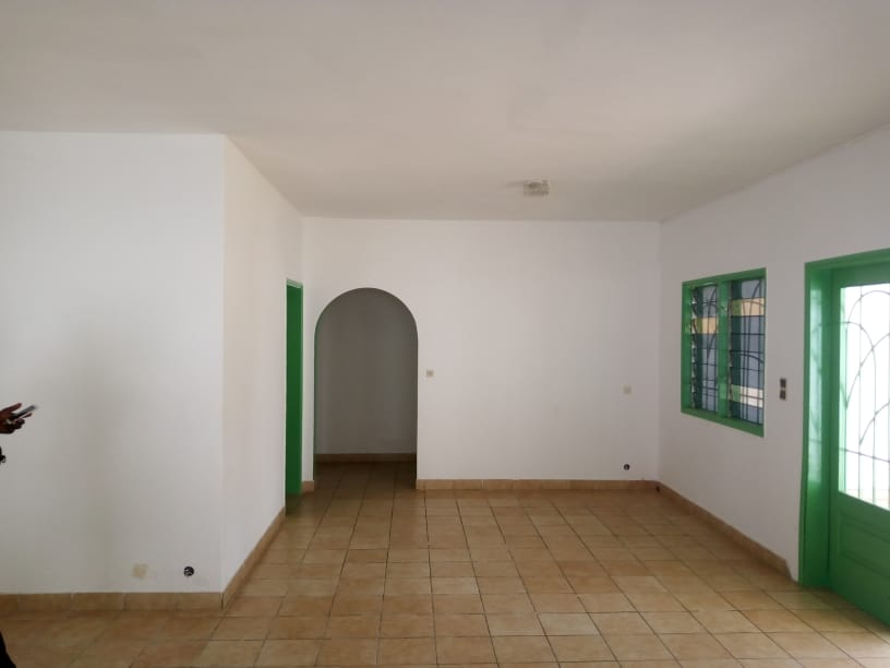 N° 5052 :                             Chambre à louer , Avepozo, Lome, Togo : 150 000 XOF/mois