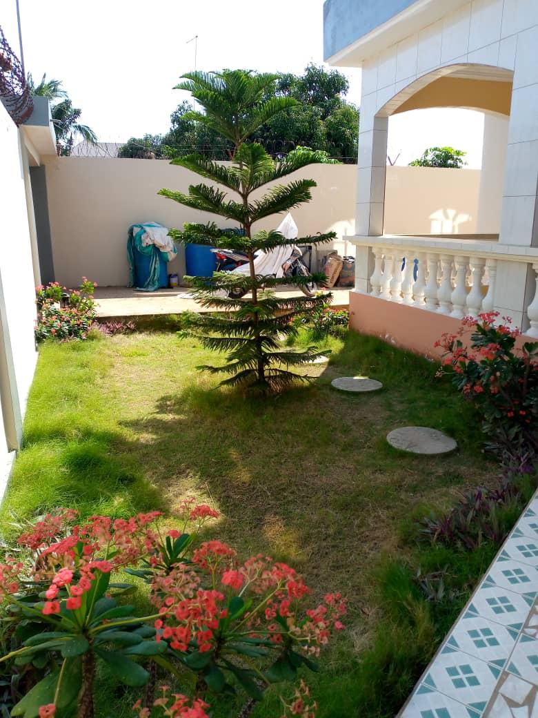 N° 5030 :                             Appartement à louer , Agoe , Lome, Togo : 300 000 XOF/mois
