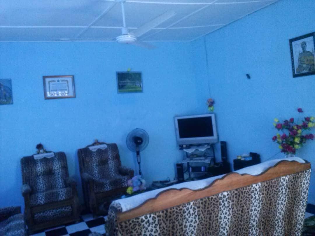N° 5047 :                             Villa à vendre , Dague, Lome, Togo : 15 000  000 XOF/vie