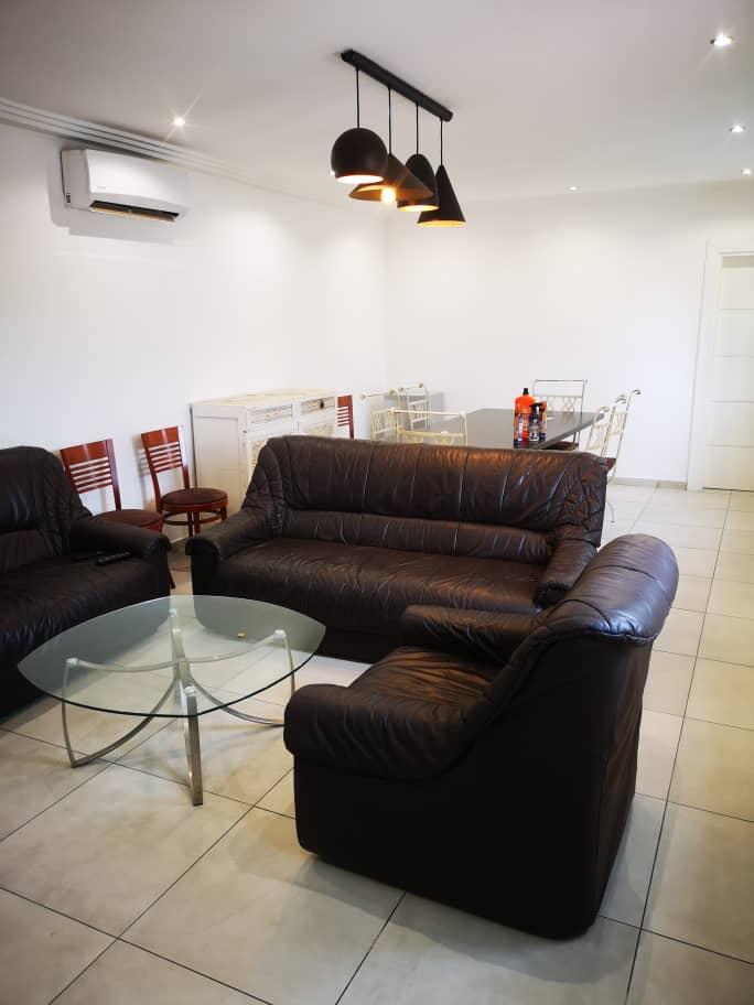 N° 5072 :                             Villa meublée à louer , Hedzranawoe , Lome, Togo : 400 000 XOF/mois