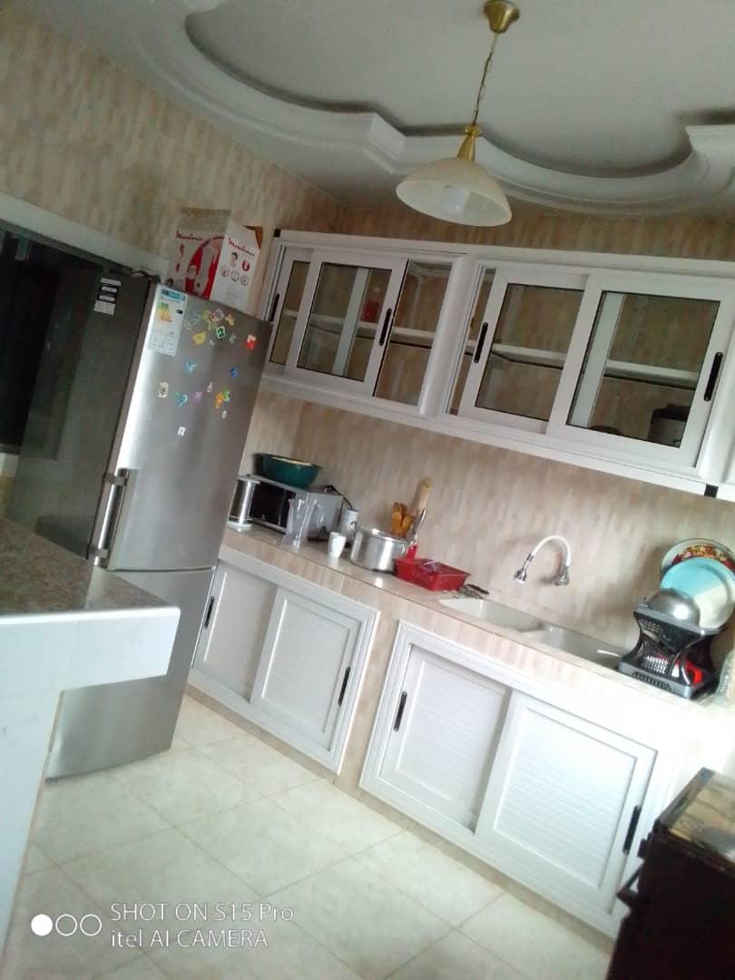 N° 5081 :                             Appartement meublé à louer , Agoe, Lome, Togo : 400 000 XOF/mois