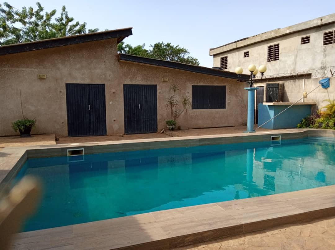 N° 5109 :                             Villa meublée à louer , Kpeme , Aneho, Togo : 700 000 XOF/mois