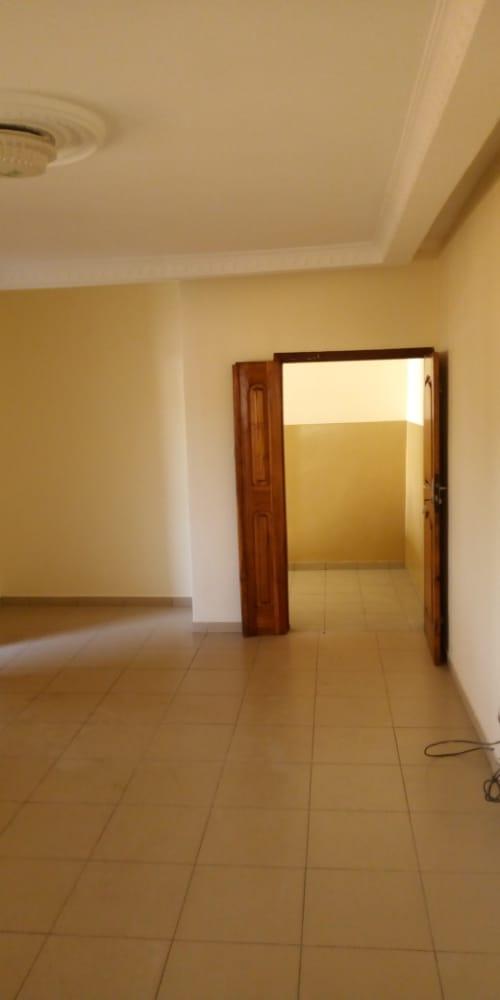N° 5106 :                             Chambre salon à louer , Akodessewa , Lome, Togo : 60 000 XOF/mois