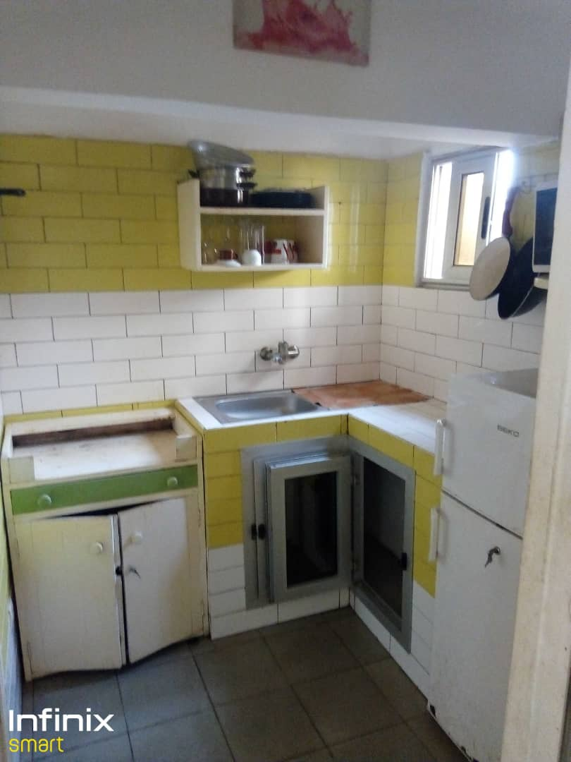 N° 5152 :                             Appartement meublé à louer , Kegue, Lome, Togo : 150 000 XOF/mois