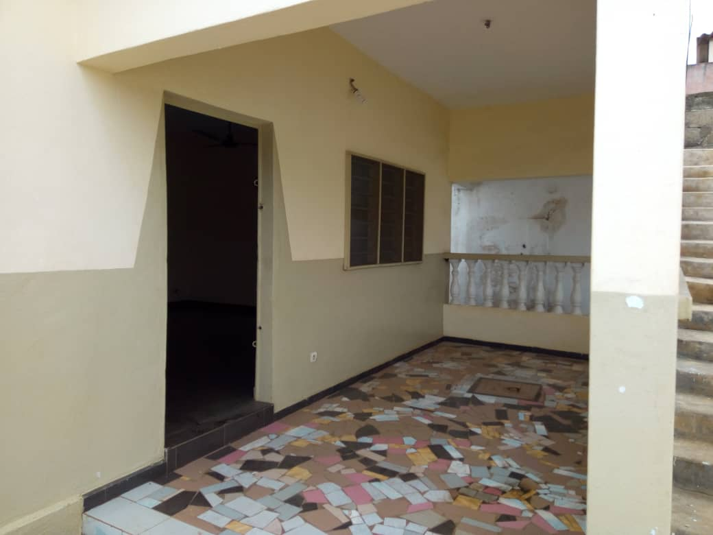 N° 4233 :                             Villa à louer , Adidogome, Lome, Togo : 80 000 XOF/mois