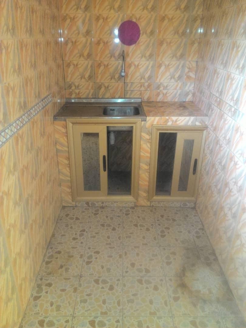 Chambre à louer , avedji                          (COCONUNT)                     , Lome : 30 000 FCFA/mois