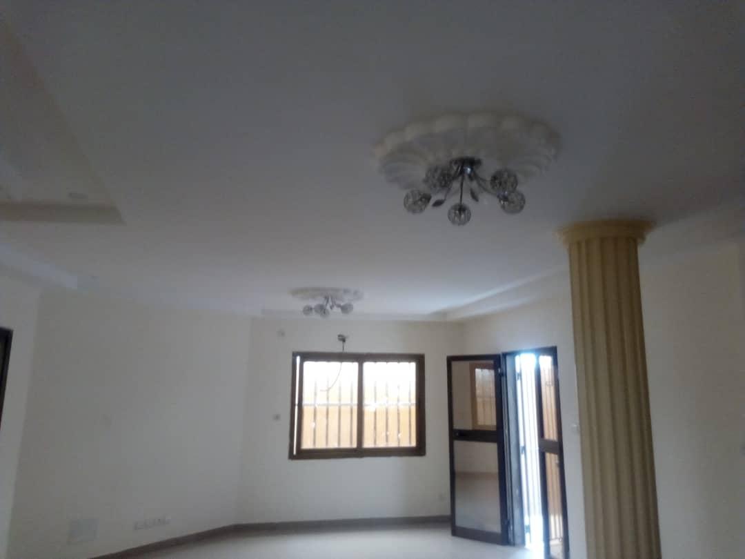 N° 4360 :                             Villa à louer , Adjinomoto, Lome, Togo : 600 000 XOF/mois